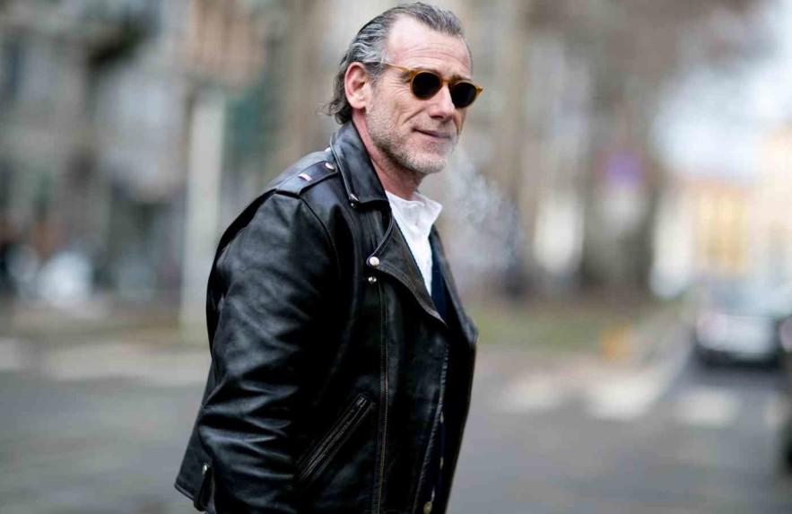Como usar jaqueta de couro masculina