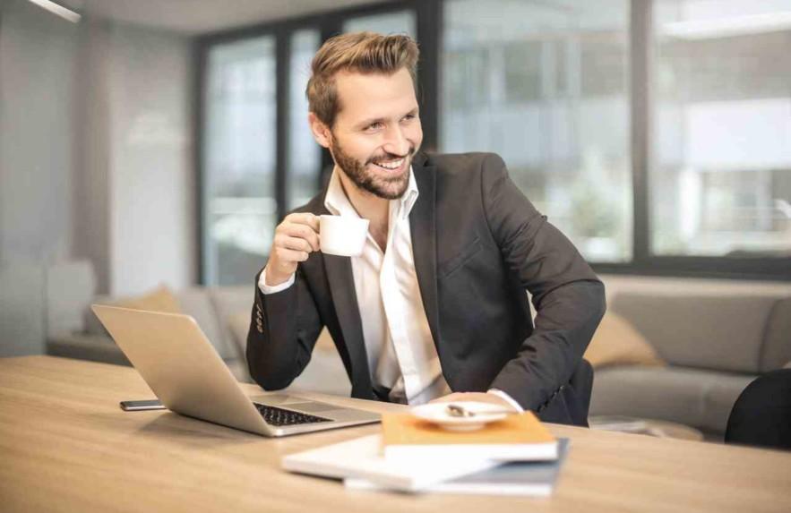 Dicas de como ser mais feliz no trabalho