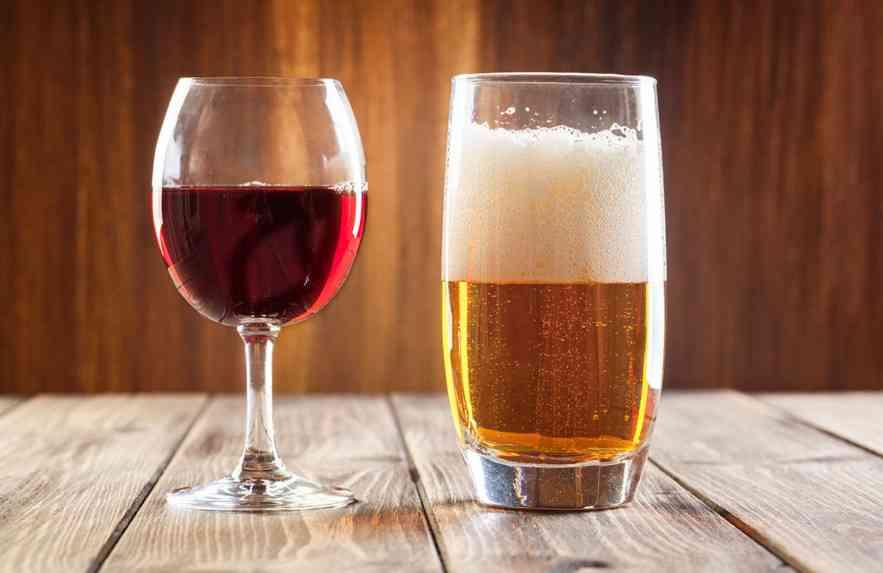 Vinho ou cerveja: qual é melhor para a saúde?