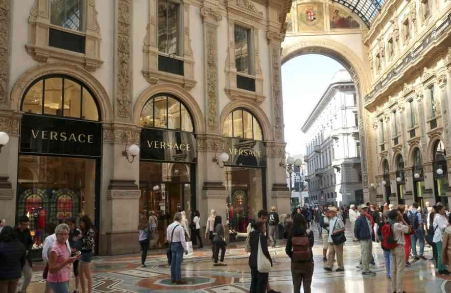 A Versace foi comprada pelo grupo Michael Kors
