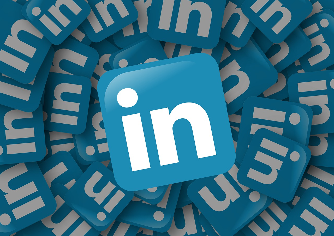 What You Need On Your LinkedIn Profile But Not Your Resume