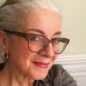 Patricia Schultz headshot