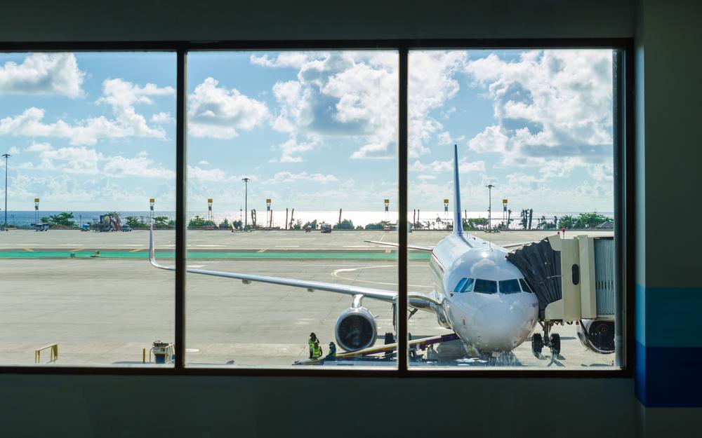 Phuket airport landing_278057396