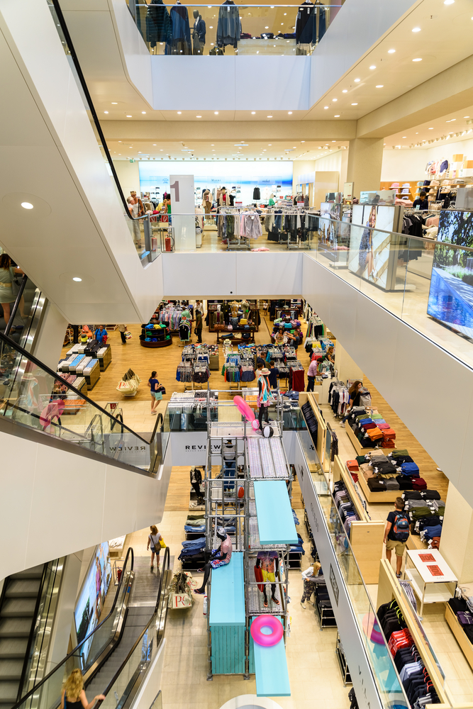 Shopping Luxury Mall Interior_331231124