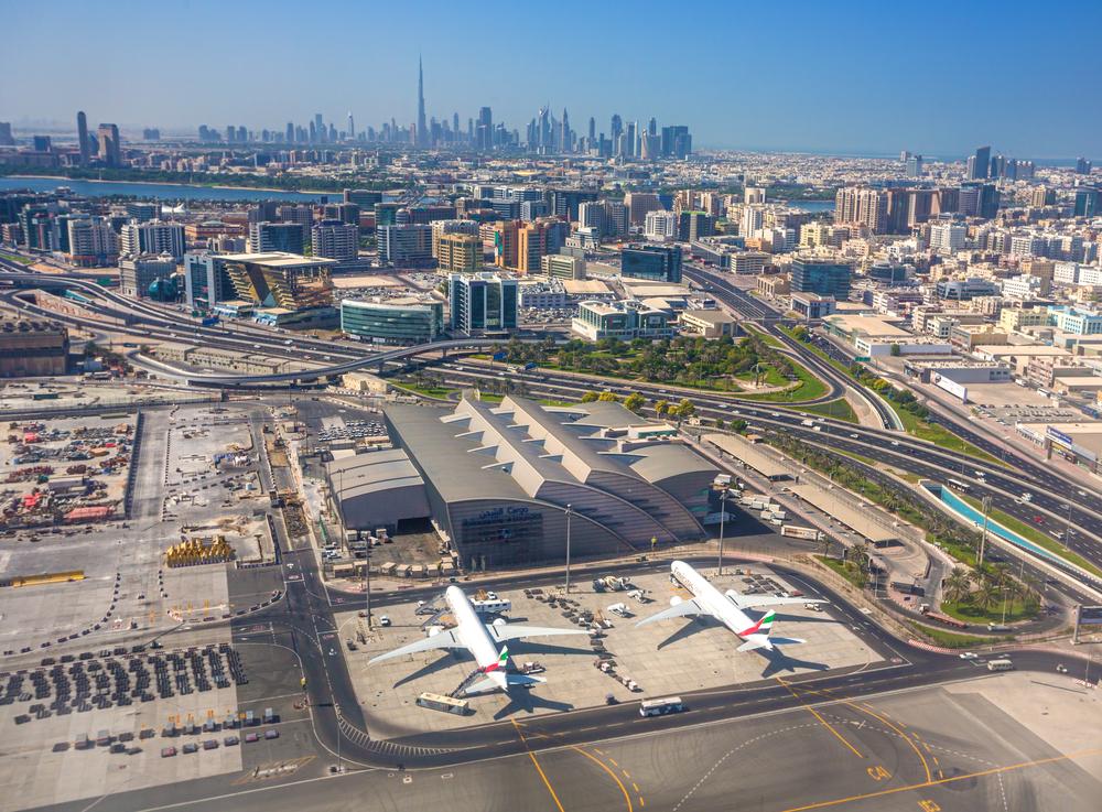airport in Dubai_257703541