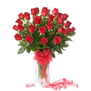 36 rosas. Florero incluido