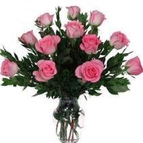 12 rosas rosadas. Florero incluido.