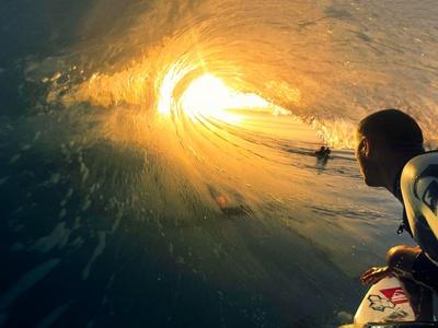 Surfing big wave sunset 1920x1080