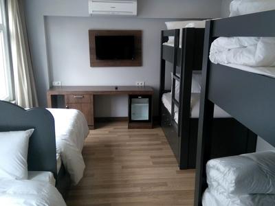 6 bed dorm 2