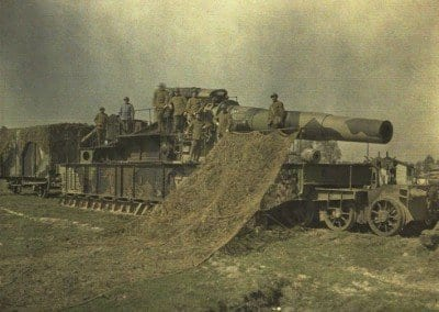 Rail mounted siege gun