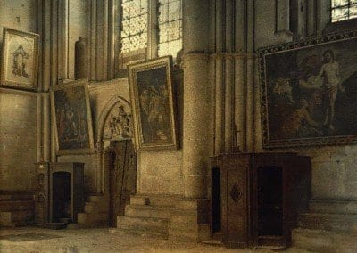 Inside of the cathedra