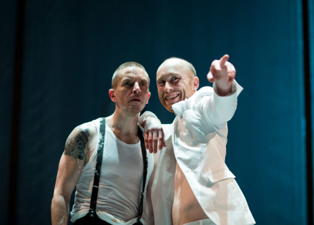 Oliver Ryan, Sandy Grierson in Doctor Faustus