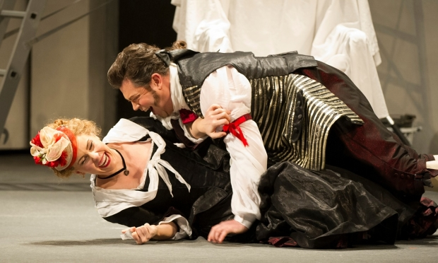 Anna Devin as Susanna and David Stout as Figaro in The Marriage of Figaro (WNO)