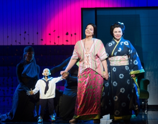 Rena Harms as Cio-Cio-San and Stephanie Windsow-Lewis as Suzuki in Madam Butterfly (ENO)