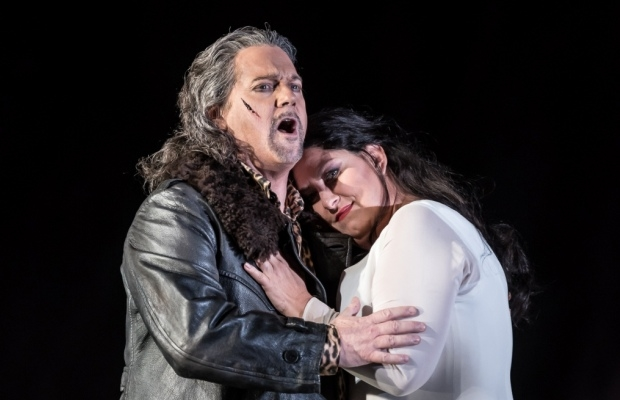 Gregory Kunde as Manrico and Anna Pirozzi as Leonora in Il trovatore (ROH)