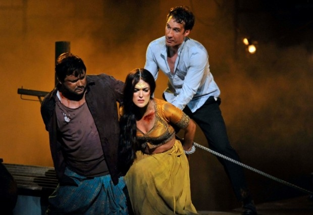 Robert McPherson as Nadir, Claudia Boyle as Leïla and Jacques Imbrailo as Zurga in The Pearl Fishers (ENO)