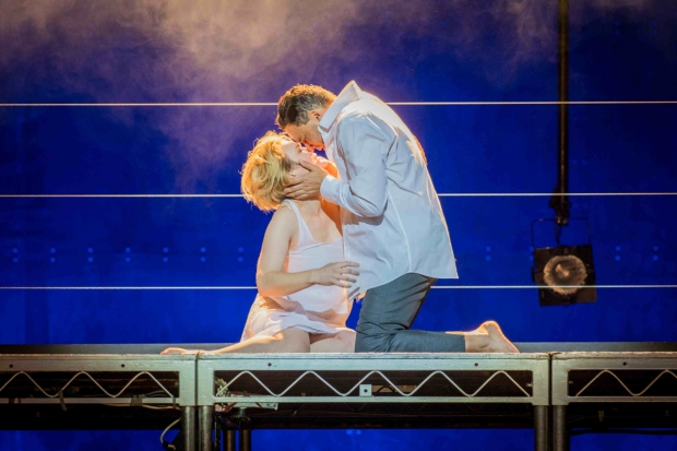 Caitlin Hulcup as Iseult and Tom Randle as Tristan in Le Vin herbé (WNO)