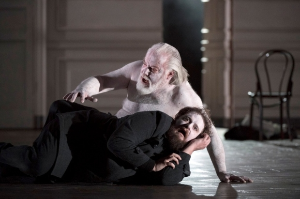 John Tomlinson as the Ghost of Hamlet's father and Allan Clayton as Hamlet in Hamlet (Glyndebourne)