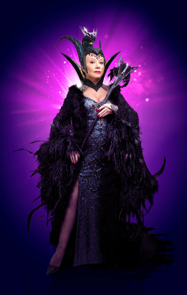 Elaine Paige as Queen Rat