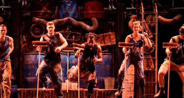The cast of STOMP
