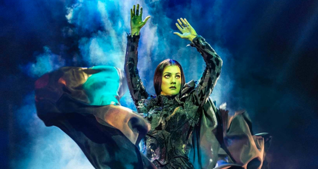 Alice Fearns in Wicked