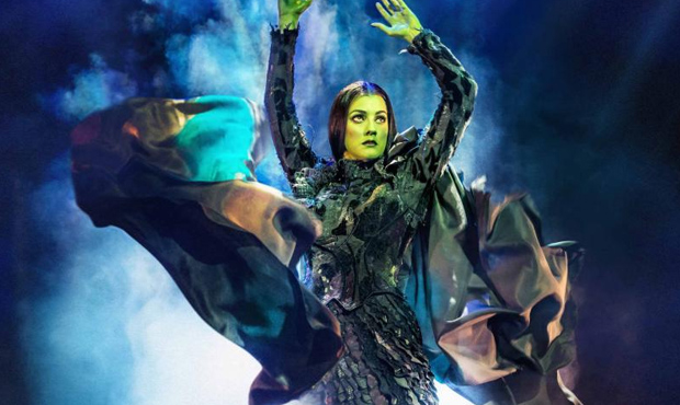 "Alice Fearn ""defying gravity"" in Wicked"