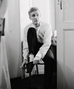 Peter O'Toole prepares for the opening night of Hamlet on 22 October 1963