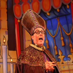 Martin Barras will be appearing in Aladdin and the Twankeys at York Theatre Royal from 12 December - 1 February 2014.