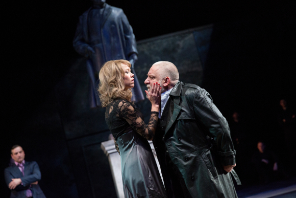 Anna Maxwell Martin (Regan) and Simon Russell Beale (Lear)