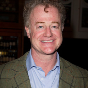 The 55-year old son of father (?) and mother(?), 187 cm tall Owen Teale in 2017 photo