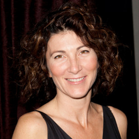 Eve Best has been cast as Cleopatra in the Globe's upcoming production