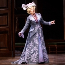 Dame Kiri te Kanawa as La Duchesse de Crakenthorp in La Fille du régiment