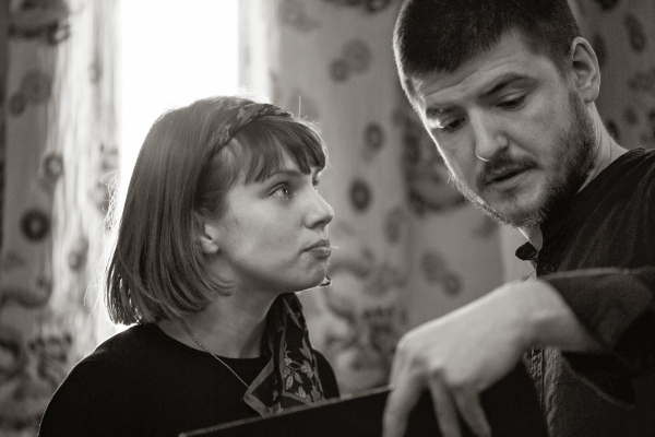 Annabel Bates as Desdemona and James Alexandrou as Iago in rehearsals for Othello