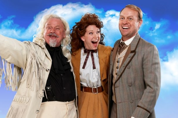 Norman Pace, Emma Williams and Jason Donovan star in Annie Get Your Gun
