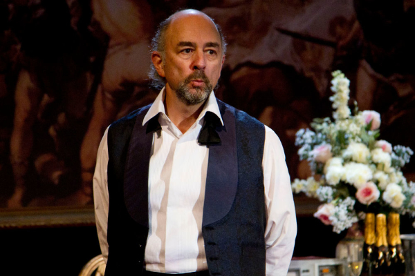 Richard Schiff appeared in the West End in Smash in 2011