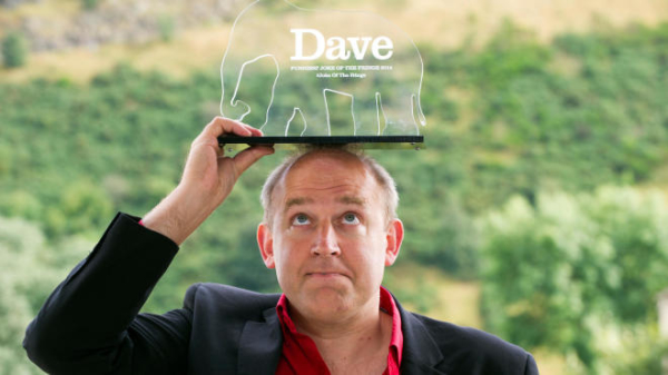 Tim Vine with his award