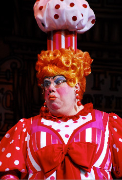 There ain't nothin' like... Panto legend Eric Potts in action
