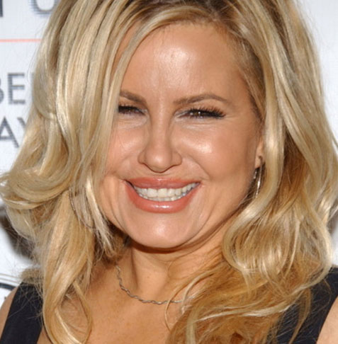Jennifer Coolidge will play Hattie Walker