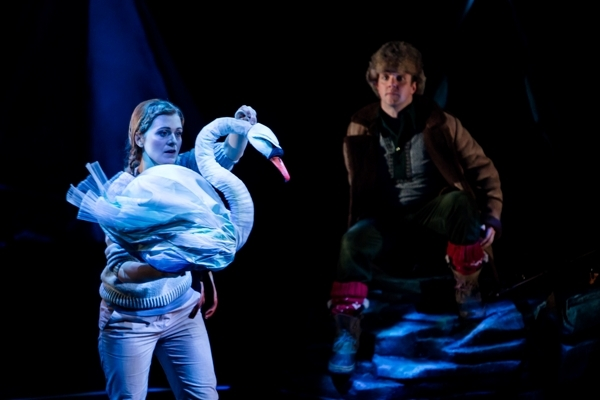 Suzanne Shakespeare as the Swan and Adrian Dwyer as Lemminkäinen in Swanhunter (Opera North/The Wrong Crowd)