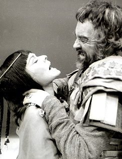 Richard Johnson with Janet Suzman in the RSC's Antony and Cleopatra