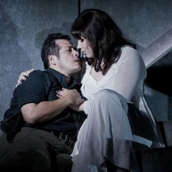 Joel Montero as Avito and Natalya Romaniw as Fiora in L'amore dei tre Re (OHP)