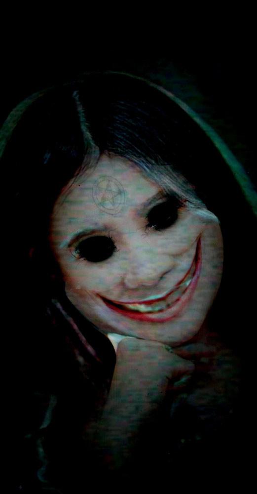 Cursed Selfie - Scare Your Friends