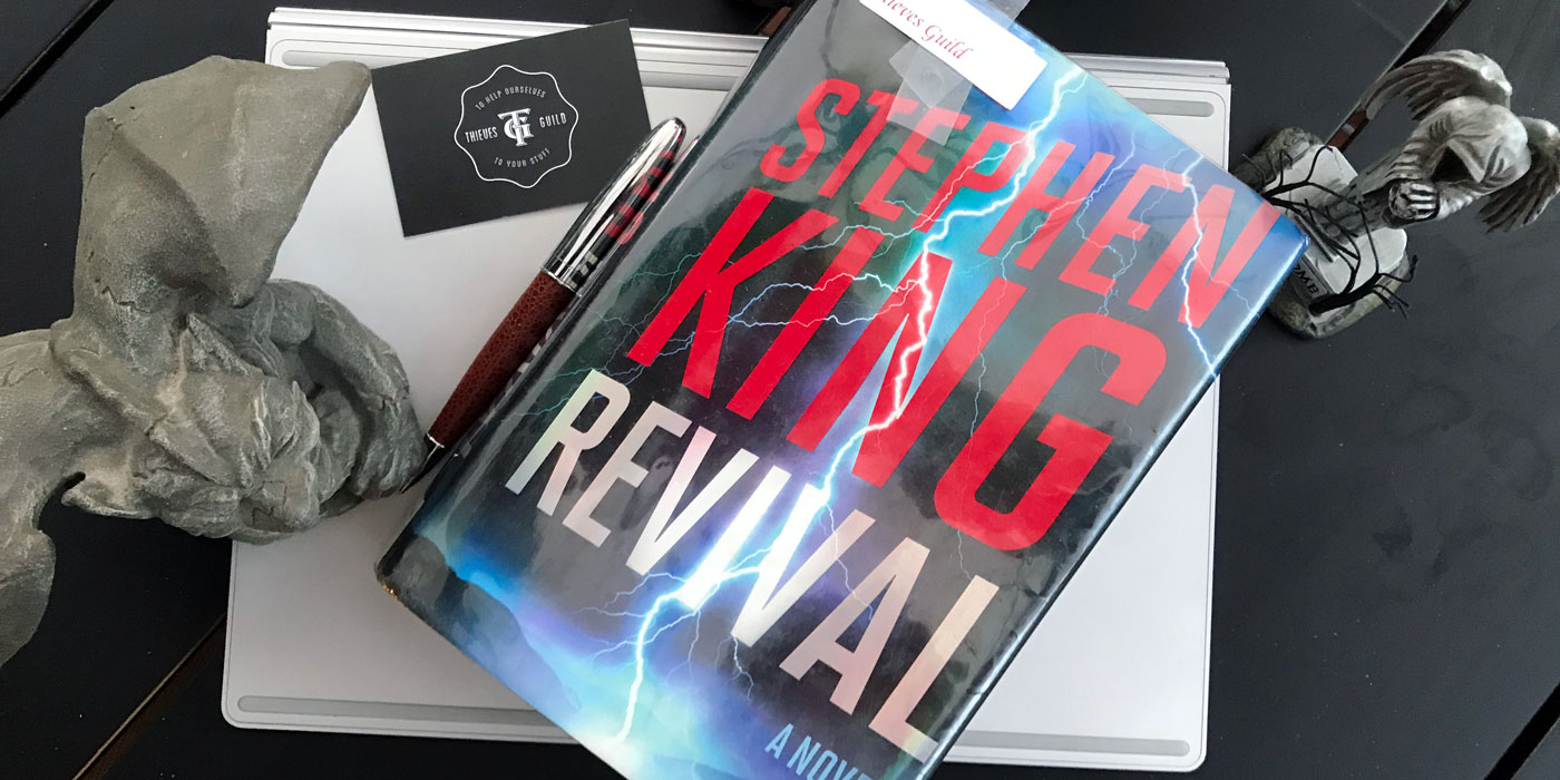 A review Stephen King's haunting, read that as scary book, Revival