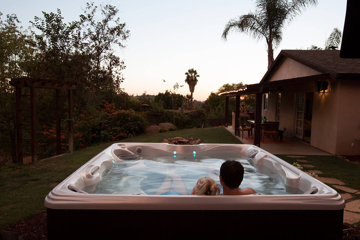 1200x800Hot-Spring-Lifestyle