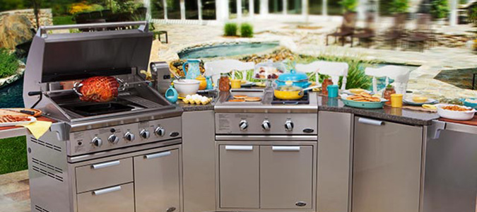 Outdoor Kitchen Design Family Image