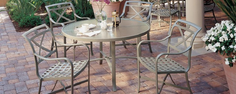Palladian Cafe Collection by Tropitone