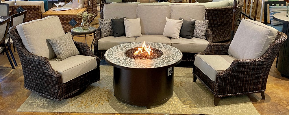 Monticello Deep Seating with Capri Fire Pit