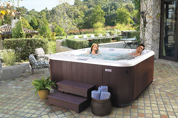 How to Buy a Hot Tub Visual List Item Image