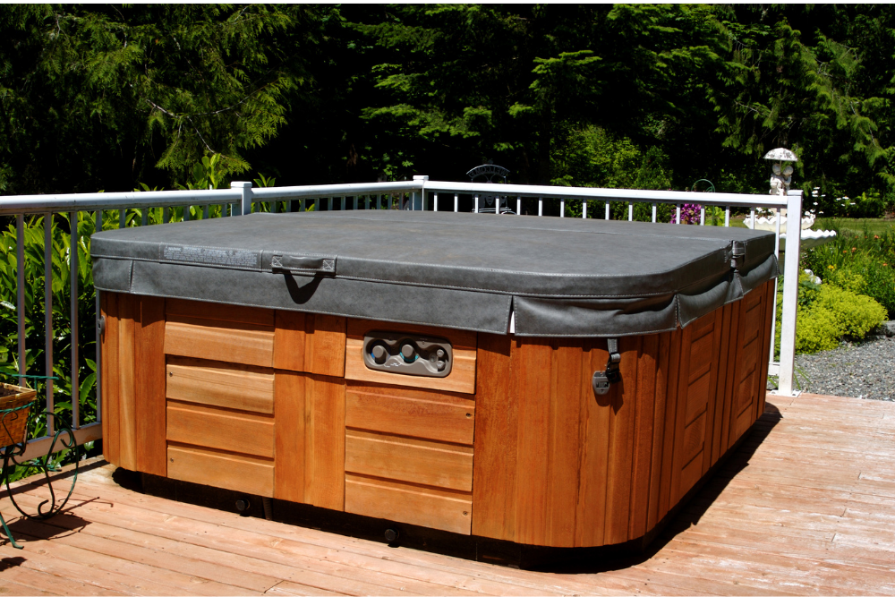 10 Benefits of a Hot Tub Cover Lifter
