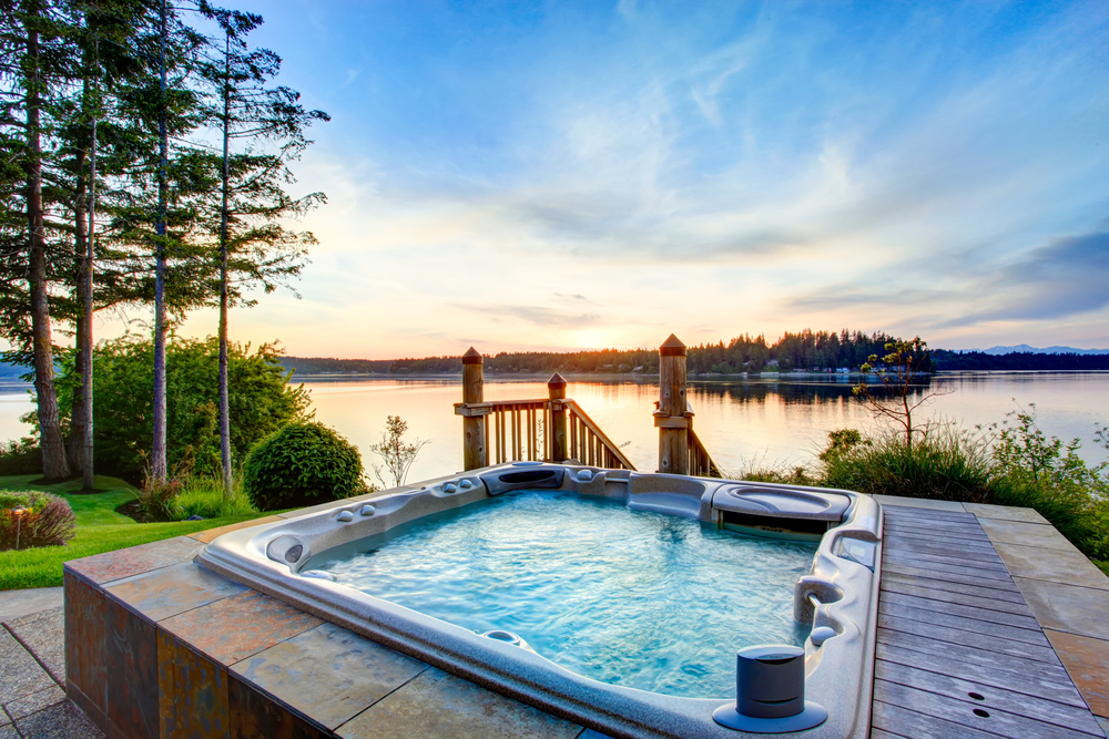 3 Must-Have Accessories for Your Hot Tub